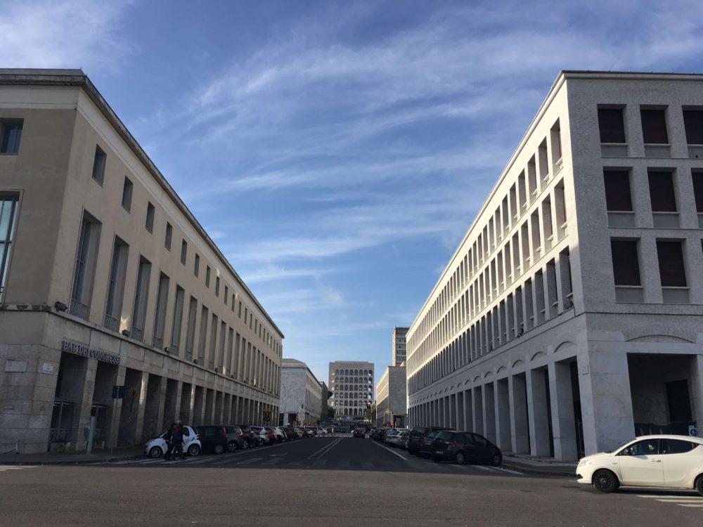 ローマ、エウル地区のイタリア合理主義の建物
