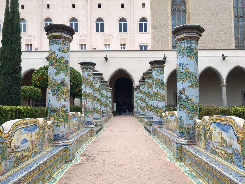 サンタキアラ修道院中庭