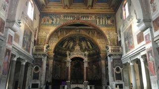 祭壇とモザイク画