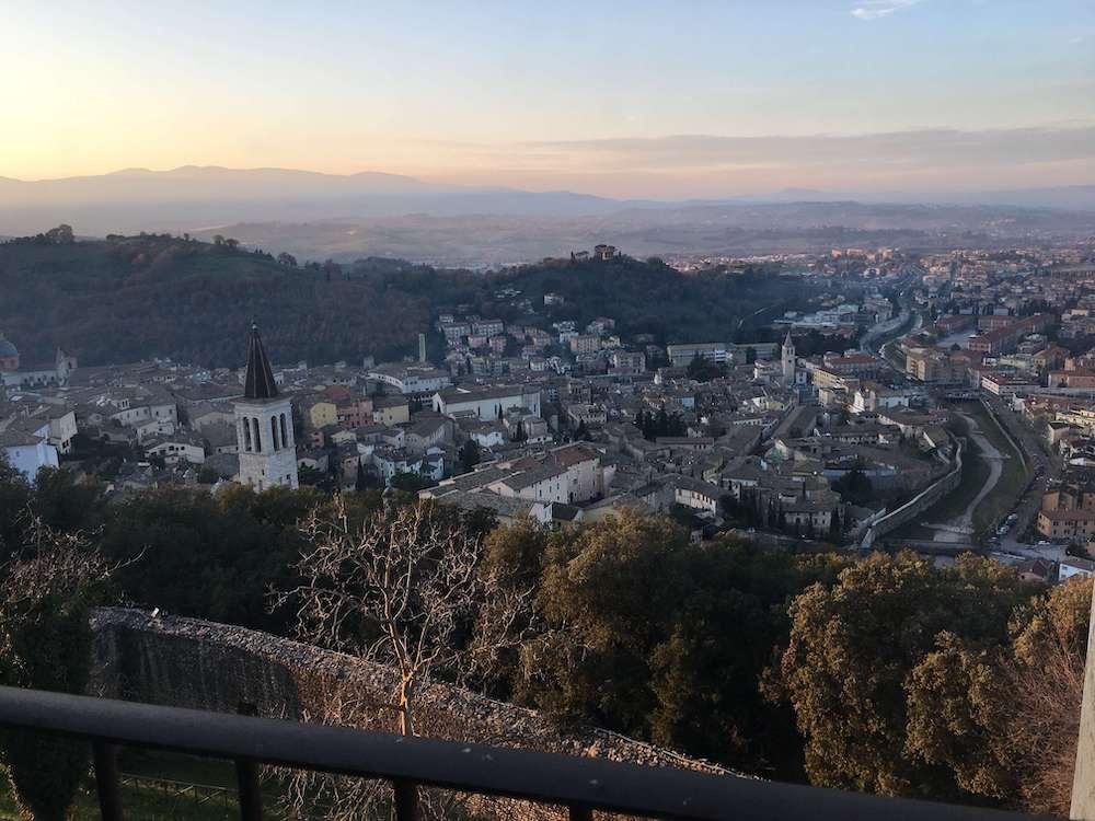 要塞から見たスポレートの街
